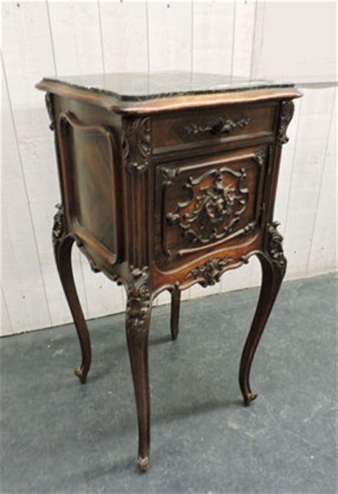 le de chevet style ancien nos meubles antiquit 233 s brocante vendus