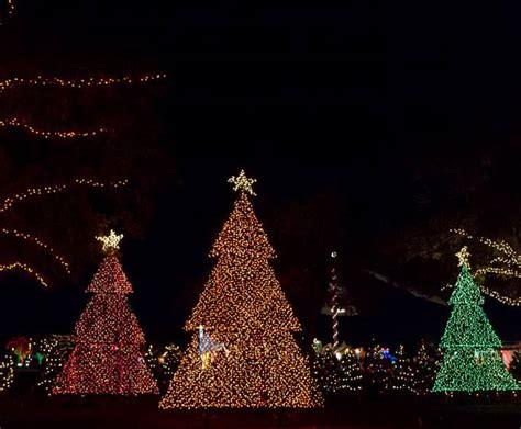 jellystone park christmas lights dancing lights of christmas at jellystone park in