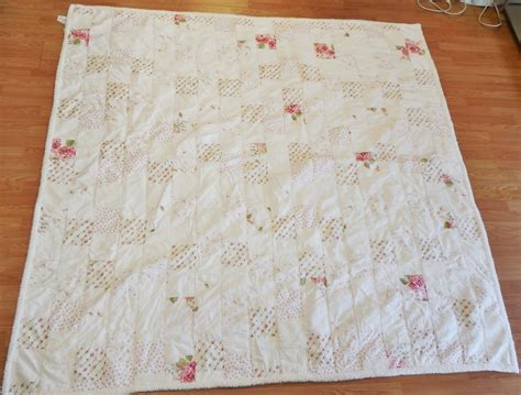 simply shabby chic quilt vtg simply shabby chic white pink rose patchwork chenille quilt full queen ebay