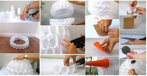 Come Fare Un Pupazzo Di Neve Con Bicchieri Di Plastica by Fai Da Te Pupazzo Di Neve Con I Bicchieri Di Plastica