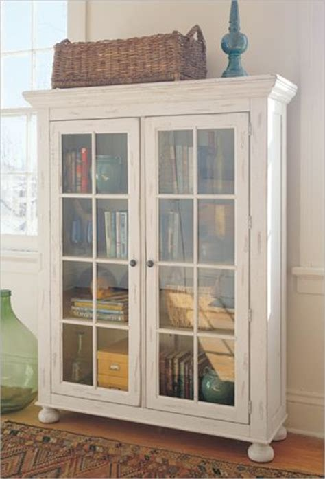 Book Cabinets With Doors by Broyhill Attic Heirlooms White Glass Buy Broyhill