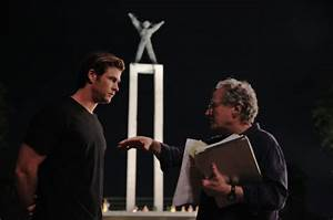 Watch Michael Mann Direct 'Blackhat' In 16 Minutes of ...