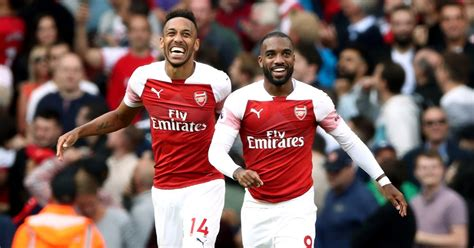 arsenal strike  biggest kit sponsorship deal