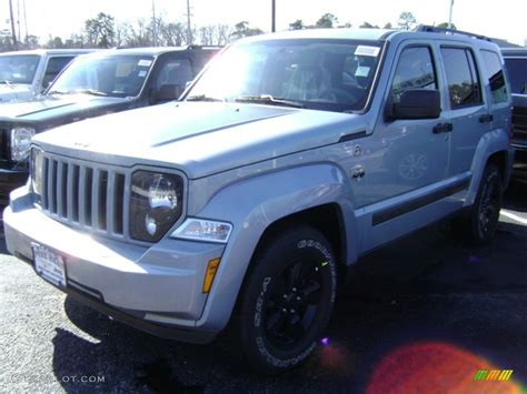 jeep liberty arctic blue 2012 winter chill pearl jeep liberty arctic edition 4x4