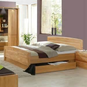 schlafzimmer erle teilmassiv schlafzimmer tandrea aus erle teilmassiv wohnen de