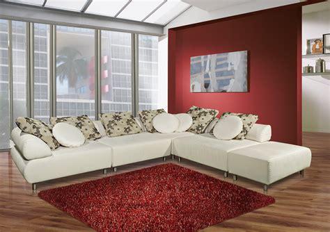 divano bianco  concentrato  stile  raffinatezza