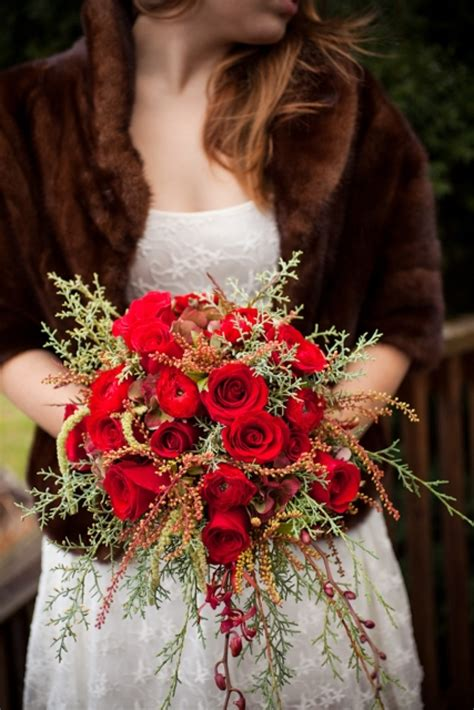 Red Rose Wedding Bouquets For Gorgeous Dramatic Nuptials
