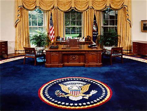 bureau de la maison blanche le meuble du bureau ovale offert par la reine noblesse royaut 233 s