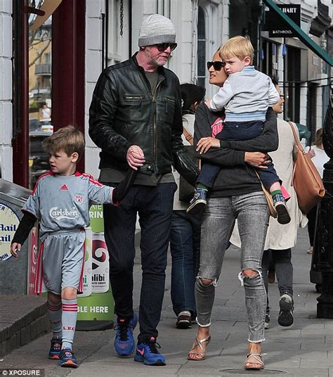 Chris Evans in London sunshine with wife Natasha ...