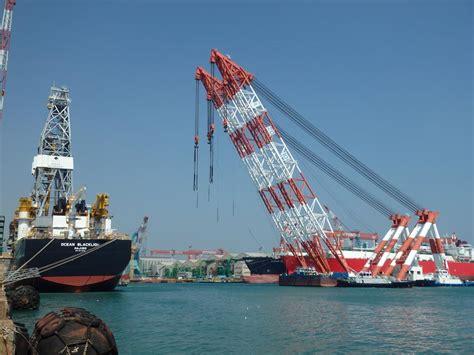 drillship derrick heavy lift  hhi gcaptain