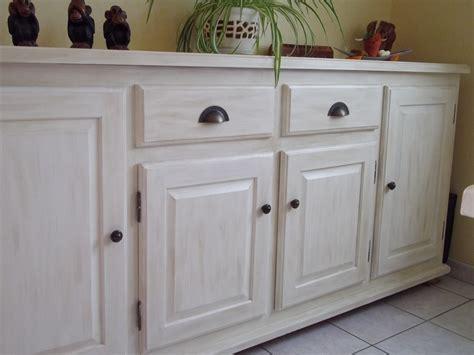 peinture pour meuble en bois repeindre un meuble en bois sans poncer 9 meubles de cuisine rustique en bois vernis avant