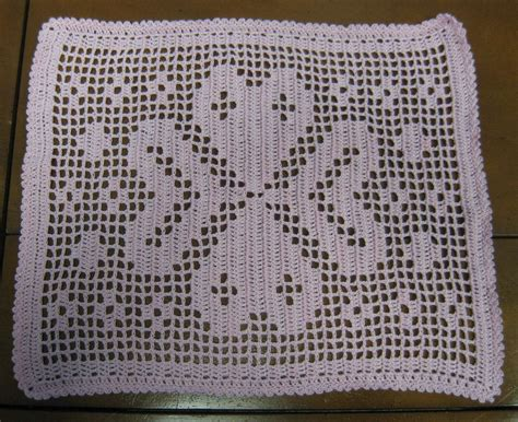 filet crochet hooked on needles filet crochet dresser scarf finished