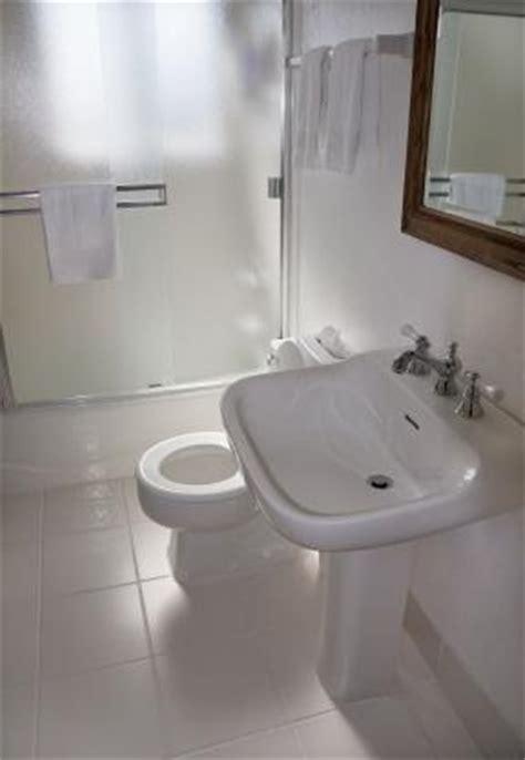 bathroom remodel ideas small space small bathroom renovation lovetoknow