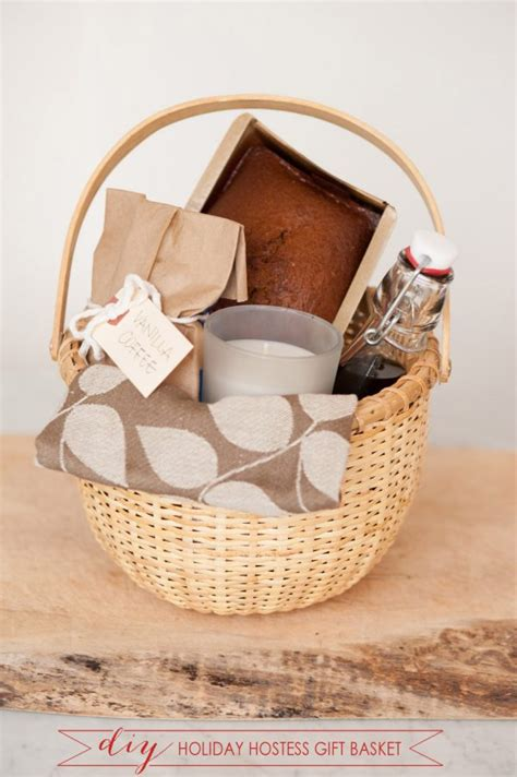 christmas hostess gifts to make diy hostess gift basket the sweetest occasion