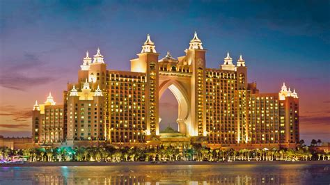 Group Lunch or Dinner at Wavehouse, Atlantis The Palm