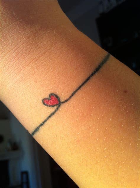 Tatouage Poignet Femme En 30 Idées Originales Et Discrètes