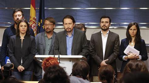 Propuesta o petición que se hace en una asamblea, congreso. Moción de censura… a la oposición - Diario16