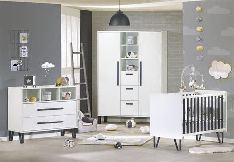 chambre bébé pratique chambre bb graphite sauthon signature complte moderne
