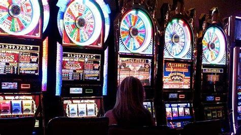 woman wins  million jackpot  betting   slot
