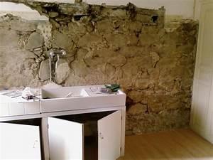 probleme maison de village murs en pierre ciment chaux With mur en pierre cuisine