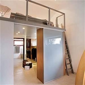 Kleiderschrank Kleiner Raum : leben auf kleinem raum komfort braucht nicht viel platz tiny houses ~ Markanthonyermac.com Haus und Dekorationen