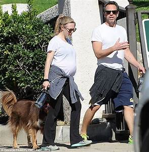 Pregnant Amanda Seyfried is casual in a T-shirt and hoodie ...