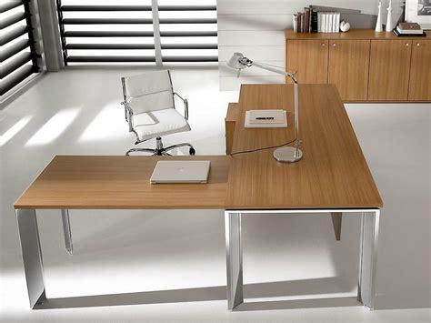 bureau en acier pratiko bureau d 39 angle by ift design nikolas chachamis