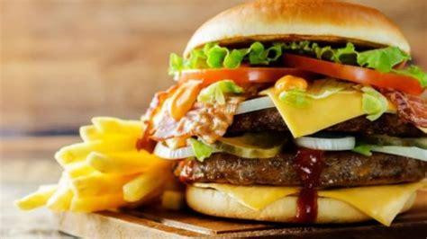 Ya está aquí el día de la hamburguesa, y en wendy's únicamente por el día de hoy viernes 28 de mayo de 2021, tendrán ofertas especiales en ciudades participantes; Día mundial de la hamburguesa