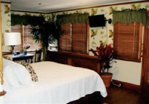 lahaina inn   updated  prices hotel