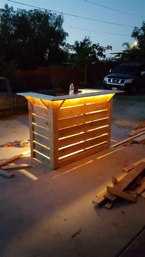 fabriquer un bar de cuisine fabriquer comptoir bar grand comptoir de bar portes