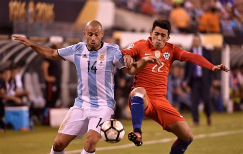 Charles aranguiz and jose fuenzalida scored within the opening 11 minutes. Final Copa América 2016: El gafe de Mascherano en las ...