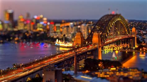 This Gorgeous Tilt-Shift Time-Lapse Turns the City of ...