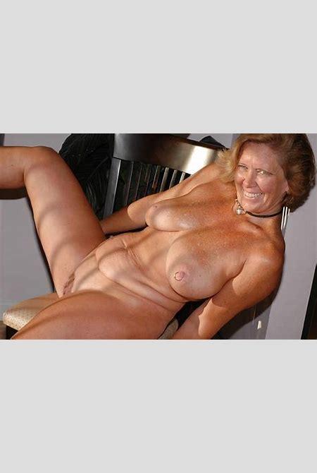 50 plus milf posing nude - Nupicsof.com