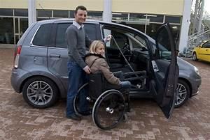 Mettre Un Fauteuil Roulant Dans Une Voiture : soul ve personne pour voiture solution de transfert de personnes handicap es handi mobil ~ Medecine-chirurgie-esthetiques.com Avis de Voitures