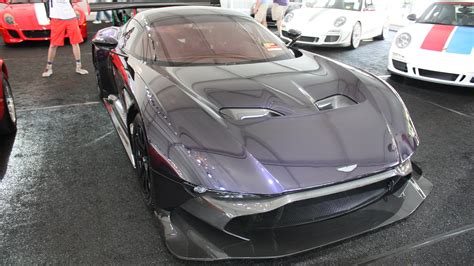 2016 aston martin vulcan top speed