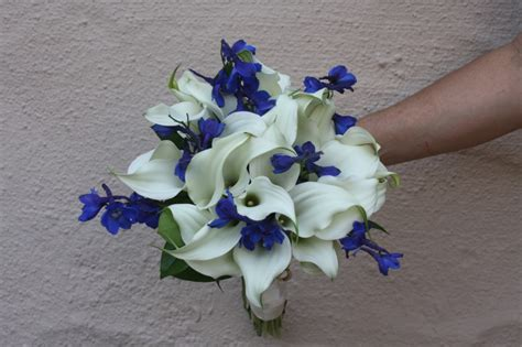 blue  white wedding flowers