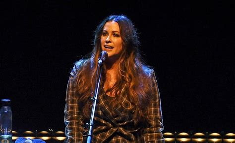 """Alanis Morissette reflects on having """"a bunch of ..."""