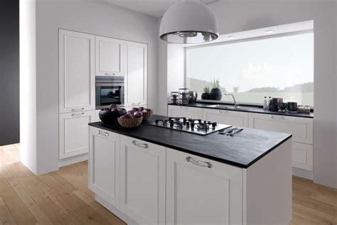 meuble de cuisine blanc plan de travail cuisine moderne en et bois
