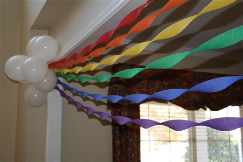 Decorating Ideas With Streamers by Best 25 Decorating With Streamers Ideas On