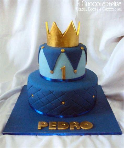 Birthday Boy Crown Cakes