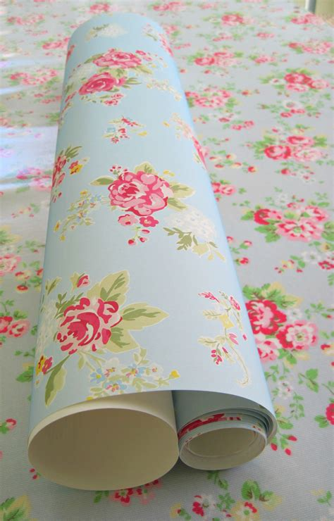 shabby chic wallpaper and matching bedding would love this cath kidston wallpaper in my room it would match my bedding perfectly shabby