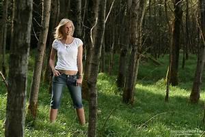Frau Im Bild : blonde frau im gr nen wald foto bild portrait portrait frauen outdoor bilder auf ~ Eleganceandgraceweddings.com Haus und Dekorationen