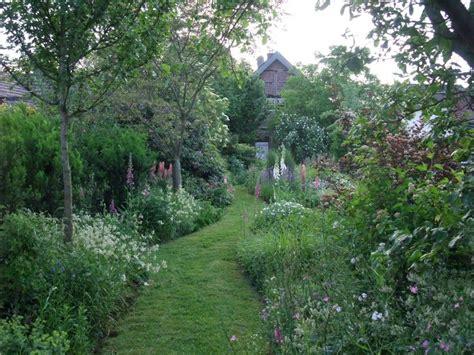 Romantischer Garten Anlegen by Verwunschene Garten Anlegen Riether Staudenparadies