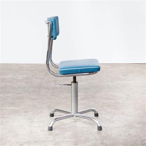 small white office chair 60s small office chair blauw skai with white trim barbmama