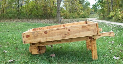 How To Build A Boat Planter by Plans For Wooden Garden Planters Ehow Ehow How To Html