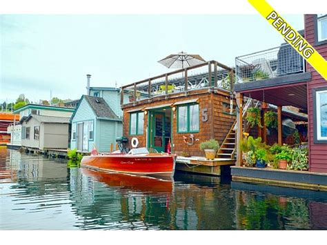 Boat House For Sale Seattle by For Sale Houseboats In Seattle