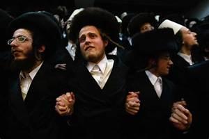 Why do jewish men grow a beard and hair curls? - Fashion Trend