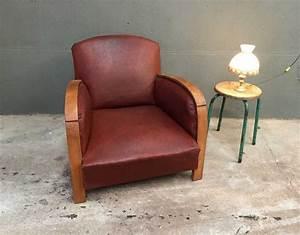 Fauteuil Vintage Pas Cher : ancien fauteuil style club en bois et simili cuir mobilier industriel et vintage ~ Teatrodelosmanantiales.com Idées de Décoration
