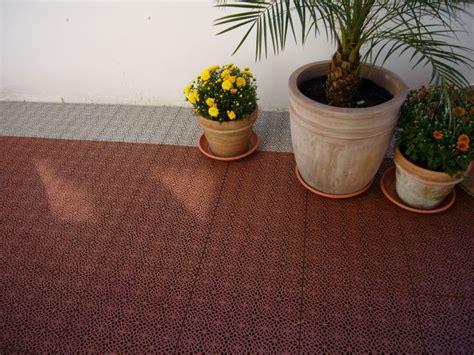 Belag Für Balkon by Kunststoff Boden Belag Auf Terrasse Oder Balkon Mit Bergo