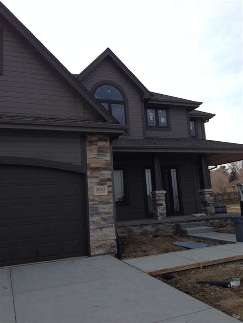 25 best ideas about brown house exteriors home exterior colors cabin exterior